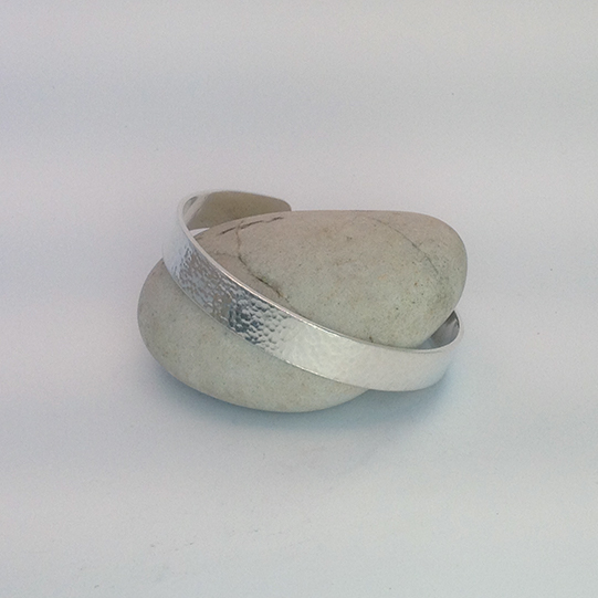 CHIVALRY - Unisex Chunky Hammered Cuff Bracelet