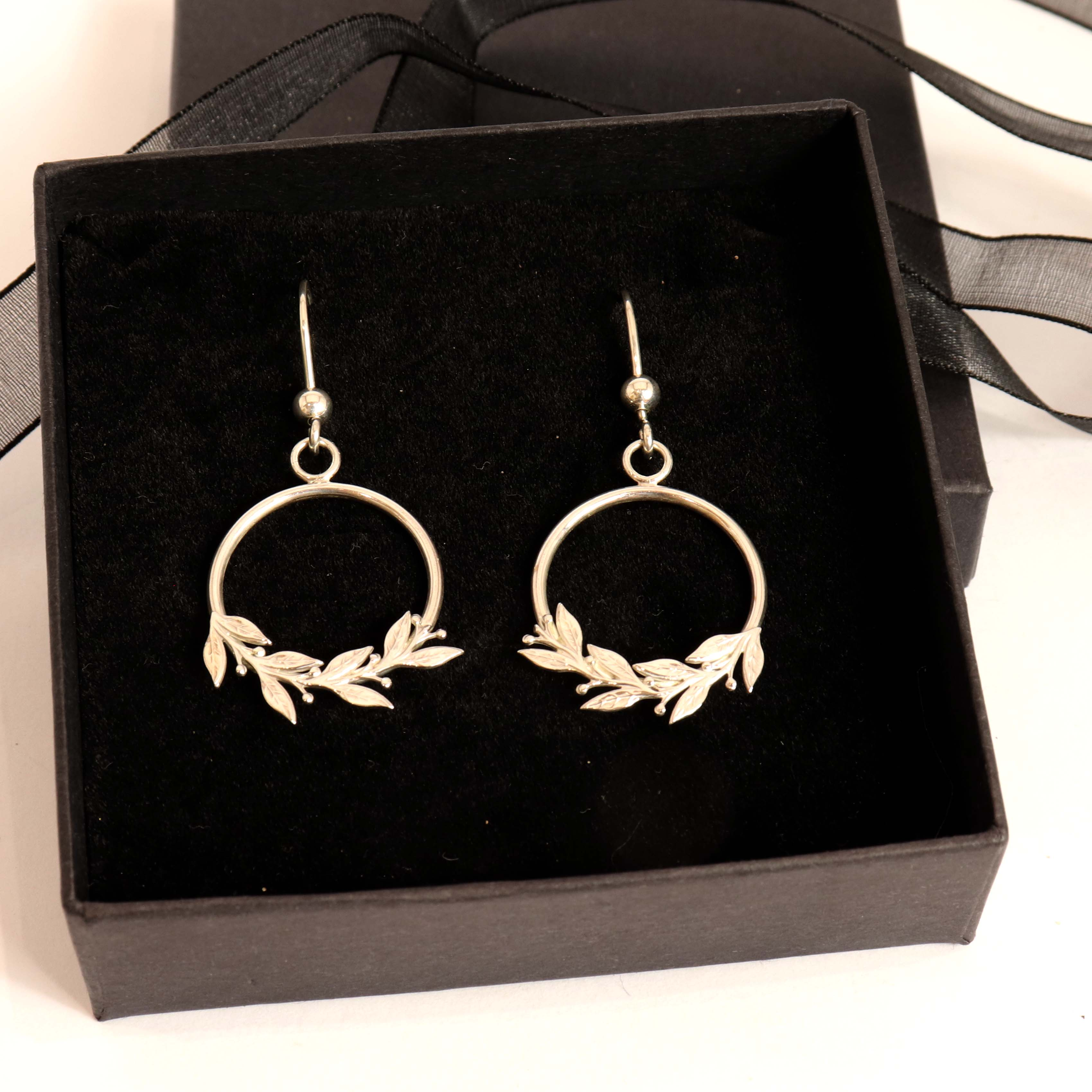 DUCHESS - Front Hoop Earrings With Leaf & Berry Design
