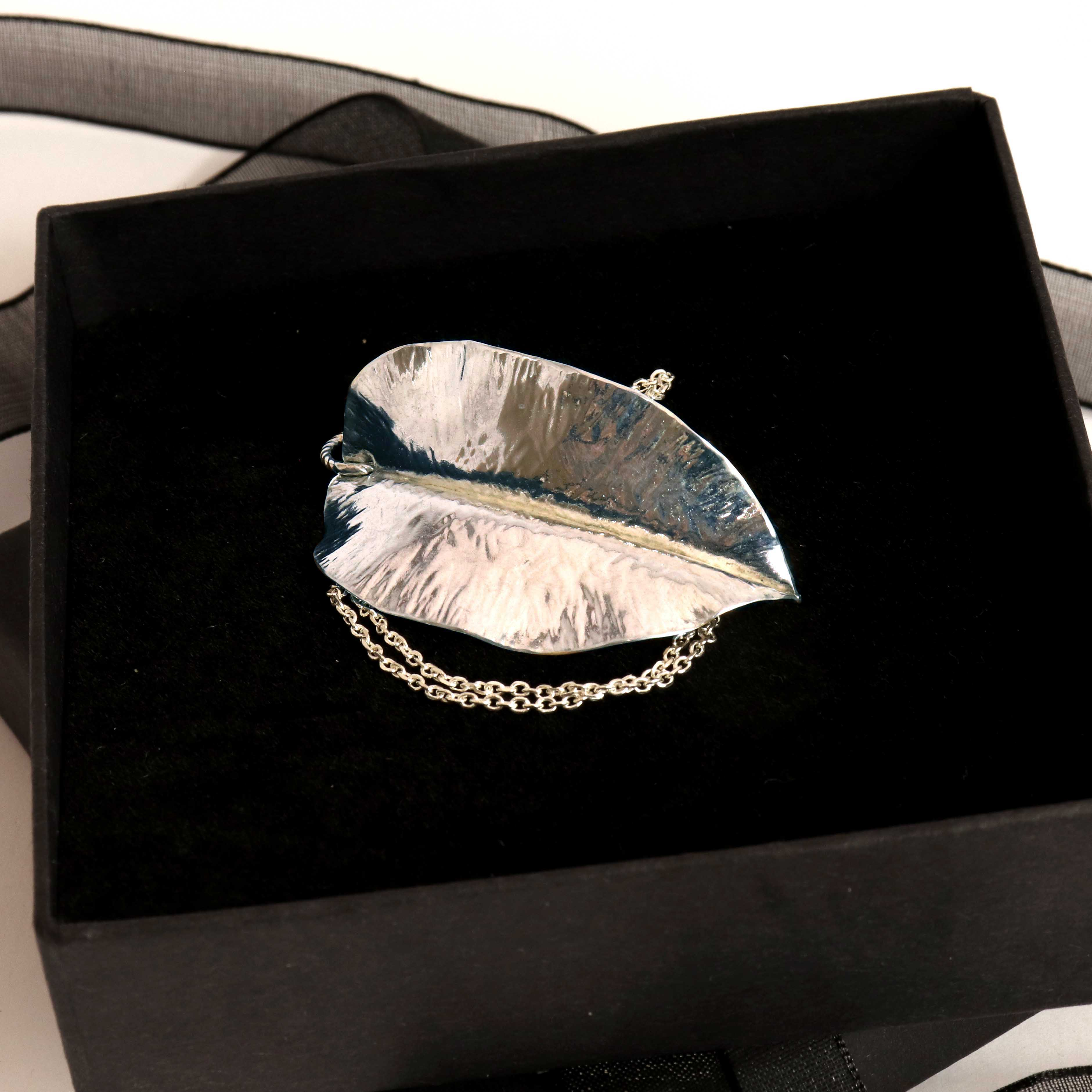 Polished Fine Silver Leaf Textured Pendant Necklace