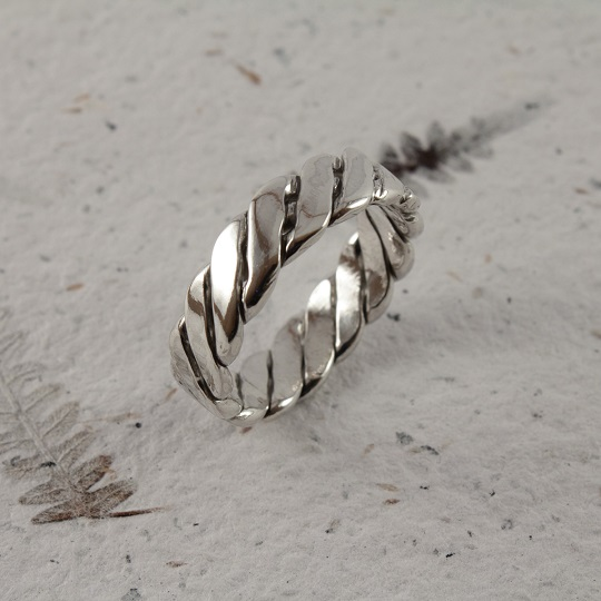Flat Braided Polished Ring