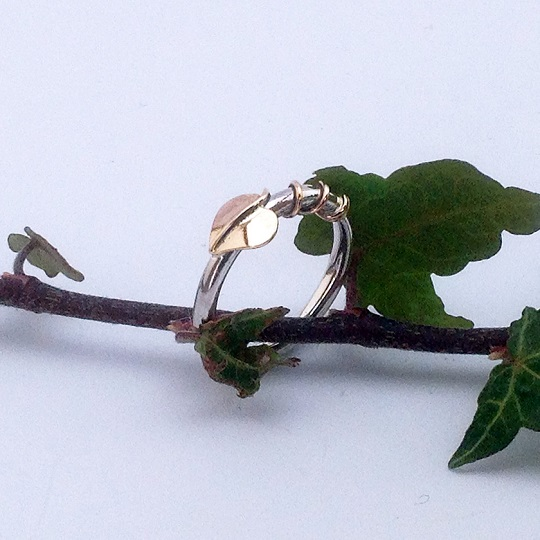 Gold Entwined Leaf Ring