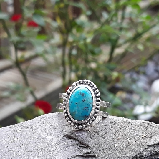 Vintage Style Turquoise Ring